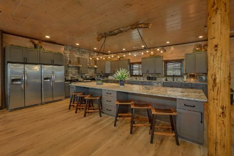 Premium 15 bedroom cabin with spacious kitchen - Smoky Mountain Masterpiece