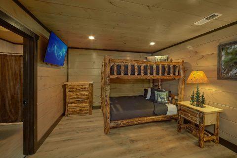15 bedroom cabin with queen bunk bedroom - Smoky Mountain Masterpiece