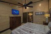 Premium cabin rental with 15 Private Bathrooms