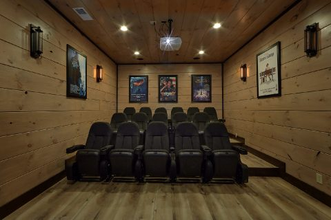 15 bedroom luxury cabin with Theater Room - Smoky Mountain Masterpiece