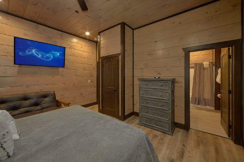 12 King Master Bedrooms in 15 bedroom cabin - Smoky Mountain Masterpiece