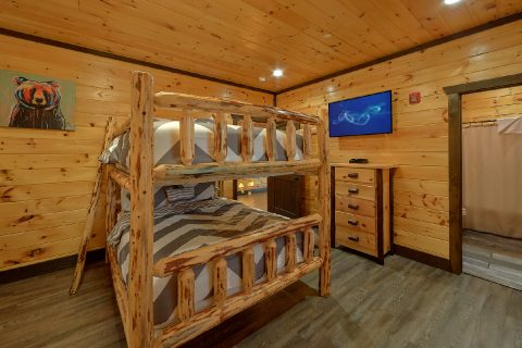 Bunk Bedroom for 10 with Private Bath - Smoky Mountain Memories