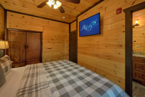 Luxury Group Cabin with Private Bathrooms - Smoky Mountain Memories