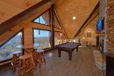Luxury Cabin with Mountain Views and a Game Room