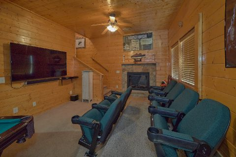 5 Bedroom Cabin with Theater Room Sleeps 16 - Smoky Mountain Retreat