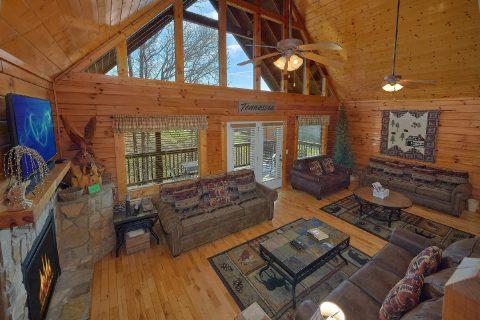 Spacious 5 Bedroom 5 Bath Cabin in Rainbow Ridge - Smoky Mountain Retreat