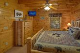 5 Bedroom Cabin with 4 Master Suites