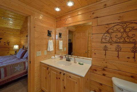 5 Bedroom Cabin with 4 Master Suites - Smoky Mountain Retreat