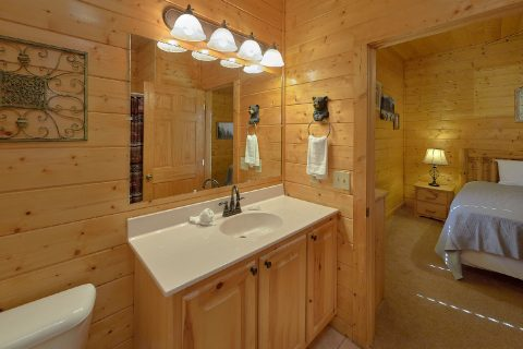 5 Bedrooms with Full Bath in all Rooms - Smoky Mountain Retreat