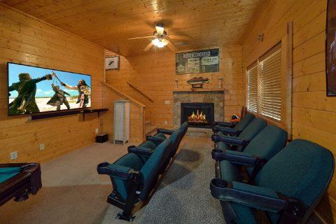 5 Bedroom Cabin with Theater Room Sleeps 16 - Smoky Mountain Retreat