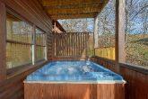 Rainbow Ridge 5 Bedroom Cabin with Hot Tub