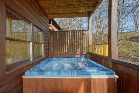 Rainbow Ridge 5 Bedroom Cabin with Hot Tub - Smoky Mountain Retreat