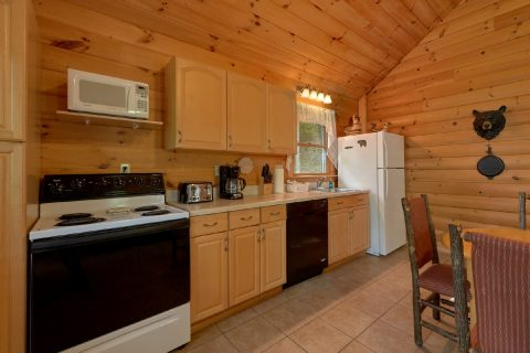 1 Bedroom Full Kitchen Honeymoon Cabin - Smoky Mountain Time