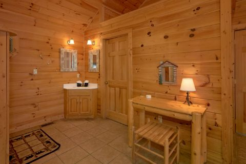 Large Master Suite 1 Bedroom Cabin - Smoky Mountain Time