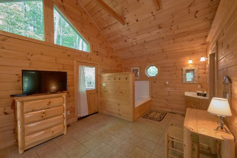 Large King Master Suite 1 Bedroom Cabin - Smoky Mountain Time