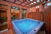 Cabin with 2 bedrooms and Hot Tub