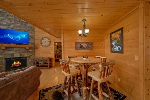 Premium Cabin with 2 Dining Rooms - Soaring Ridge Lodge
