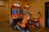 5 Bedroom cabin with 2 Race Car Arcade Games