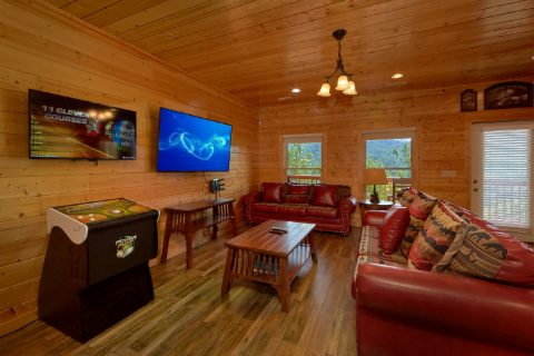 5 Bedroom cabin with Golden Tee Arcade Game - Soaring Ridge Lodge
