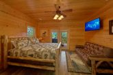 Luxurious 5 bedroom cabin with 4 King Beds