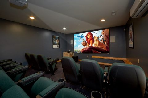Theater Room in 5 bedroom Luxury cabin - Soaring Ridge Lodge