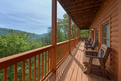 5 bedroom cabin with Mountain Views - Soaring Ridge Lodge