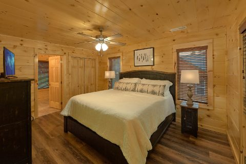 Pigeon Forge cabin rental with 4 King beds - Song of the South
