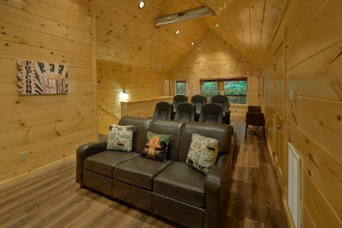 Luxury 4 bedroom cabin with Theater Room - Song of the South