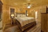 Pigeon Forge cabin with 4 King beds and 4 baths