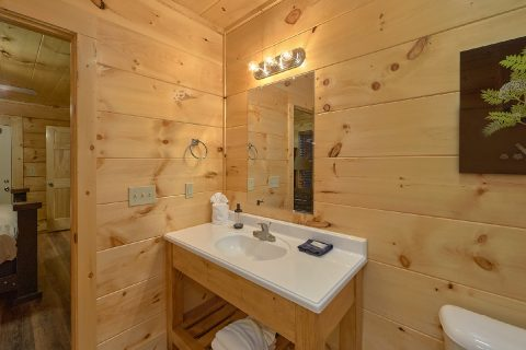 Luxury cabin with 4 bedrooms and private hot tub - Song of the South