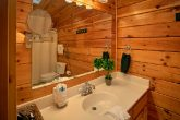 Spacious Cabin with 2 Private Bathrooms