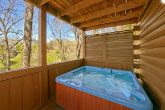 Luxury 2 Bedroom Cabin with Private Hot Tub