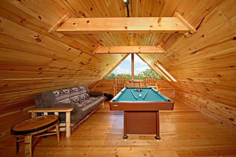 Cabin with Lofted Billiard Room - Southern Style