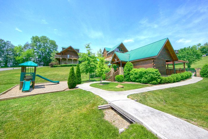 2 Bedroom Cabin near a Resort Playground - Sparkling Dreams