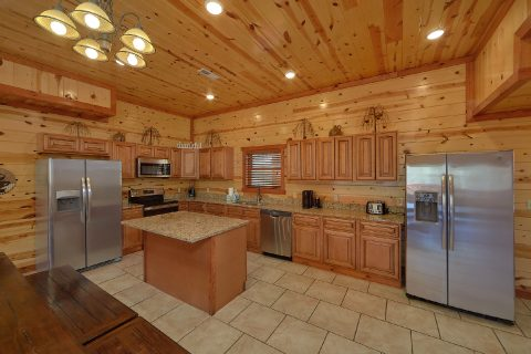 Beautiful 6 Bedroom Pool Cabin Sleeps 20 - Splash Mountain Chalet
