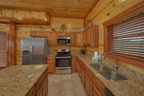 Large 6 Bedroom Cabin Sleeps 20 - Splash Mountain Chalet