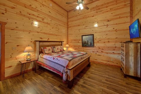 Large 6 Bedroom Cabin with Mast Bedrooms - Splash Mountain Chalet