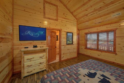6 Bedroom with 5 Master Suites Sleeps 20 - Splash Mountain Chalet
