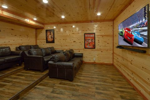 6 Bedroom Sleeps 20 with Indoor Pool and Theater - Splash Mountain Chalet