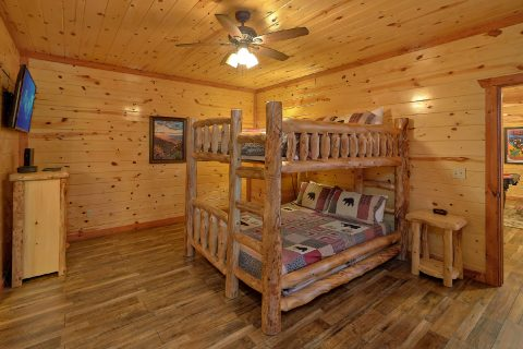 6 Bedroom with Game Room and Theater Room - Splash Mountain Chalet