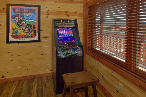 Game Room with Arcade, Pool Table 6 Bedroom - Splash Mountain Chalet