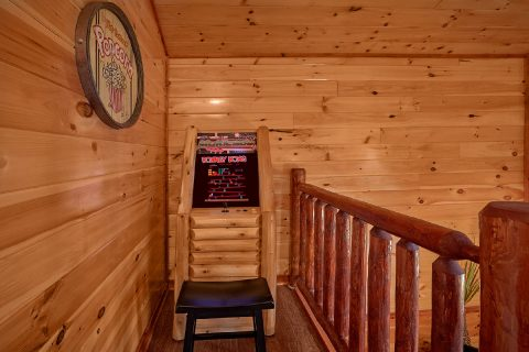Luxurious 2 Bedroom Cabin with Arcade Game - Splash Mountain Lodge