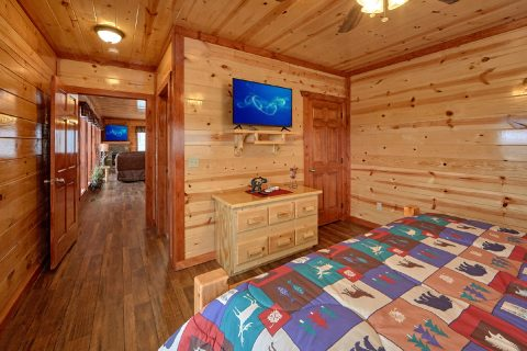 6 Bedroom Cabin with 5 Master Suites - Splashin' With A View