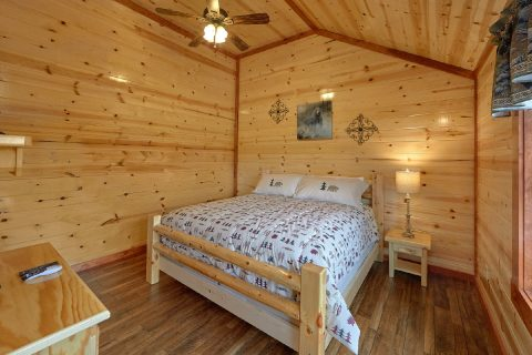Cabin with 2 Master Bedrooms on the Main-Level - Splashin' With A View