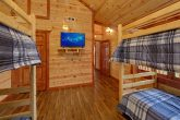 6 Bedroom Cabin with 2 Bunk Beds on Upper-Level