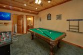 6 Bedroom Cabin with a Pool Table