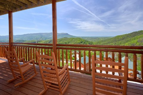 6 Bedroom Cabin with Rocking Chairs on Decks - Splashin' With A View