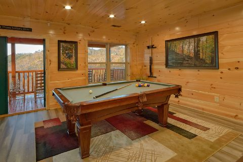4 bedroom cabin with Pool Table and private pool - Splashing Bear Cove