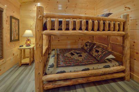 Indoor Pool cabin with queen bunk beds - Splashing Bear Cove
