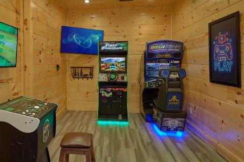 Racing Game in Game Room at 4 bedroom cabin - Splashing Bear Cove